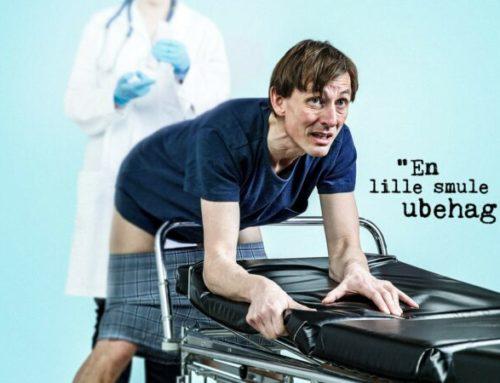 """Teaterforestillingen """"EN LILLE SMULE UBEHAG"""" – en autentisk kræftfortælling"""